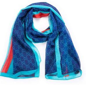 So very comfortable fashion scarf